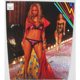 Tyra Banks signed photo